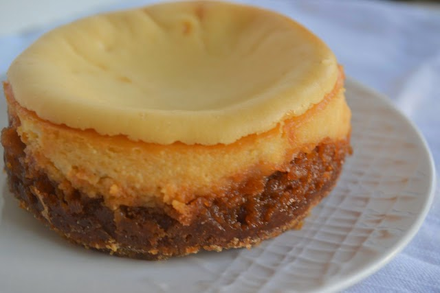 http://www.candygirlky.com/2012/11/pecan-pie-cheesecake.html