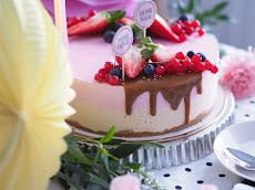 Kinuski-Punaherukkajuustokakku
