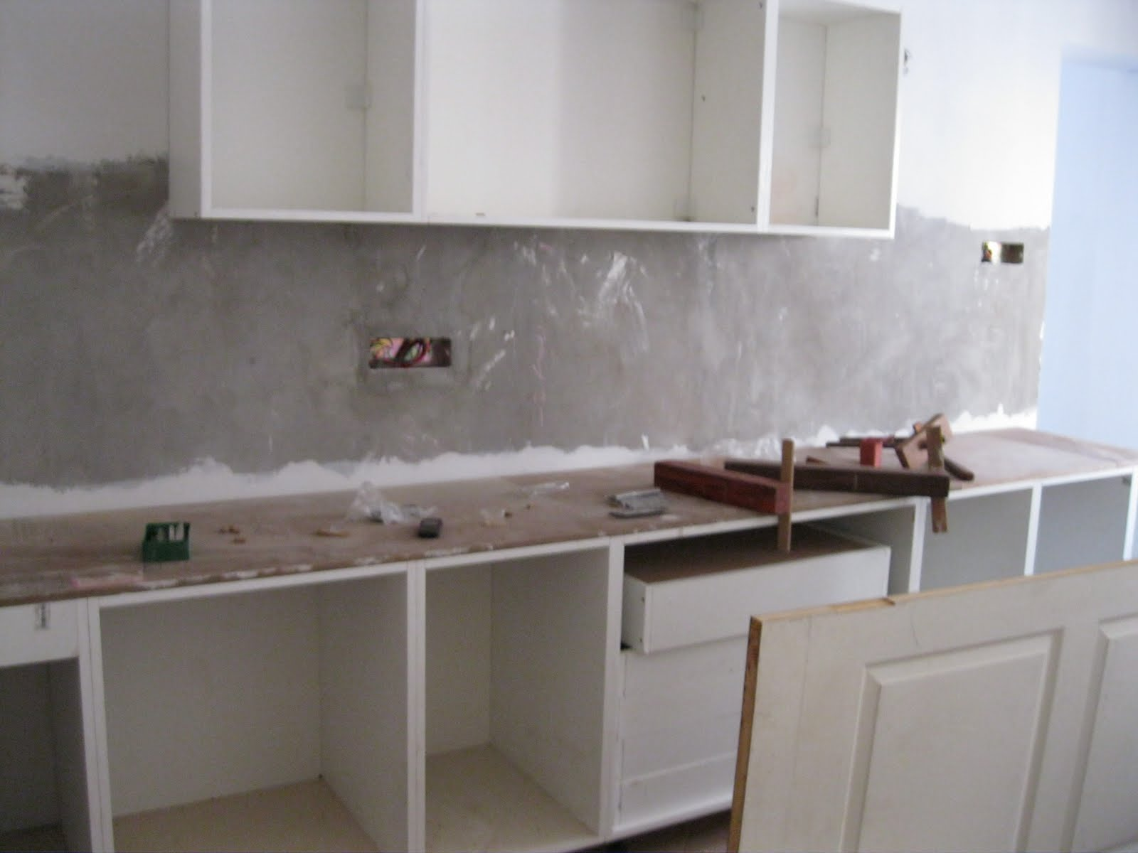 Superb img of  corner . The chimney and hob will come after the overhead cabinets with #5A4F46 color and 1600x1200 pixels