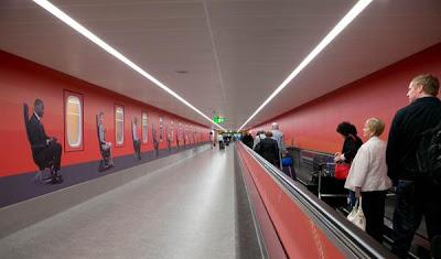 Eye - gatwick Airport - easyJet