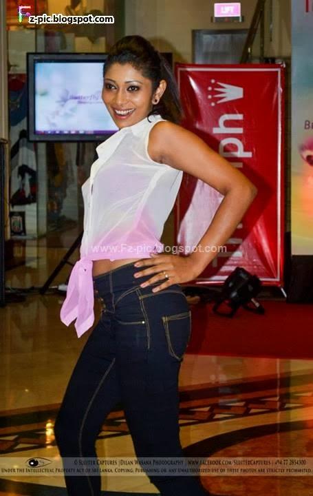 Dancing Acts - Triumph Launch | Sri lanka fashion blog