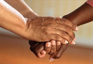 Le crédit amical ou familial spécifié à l'écrit