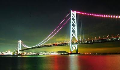 jembatan terpanjang akashi pada malam hari