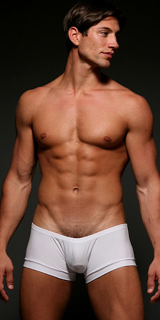 para provar que não é só de homens pelados que vivemos apesar da