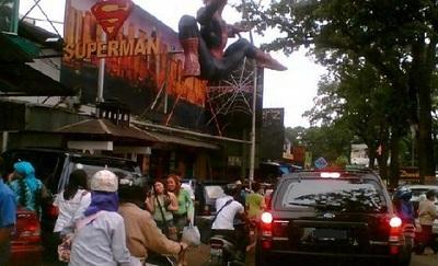 Pusat Perbelanjaan Jeans Jl Cihampelas