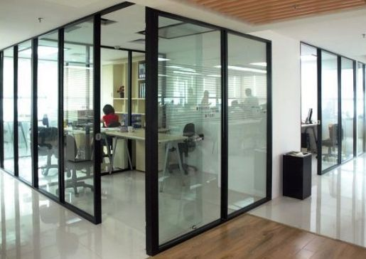 glass office partition for practicality and aesthetic