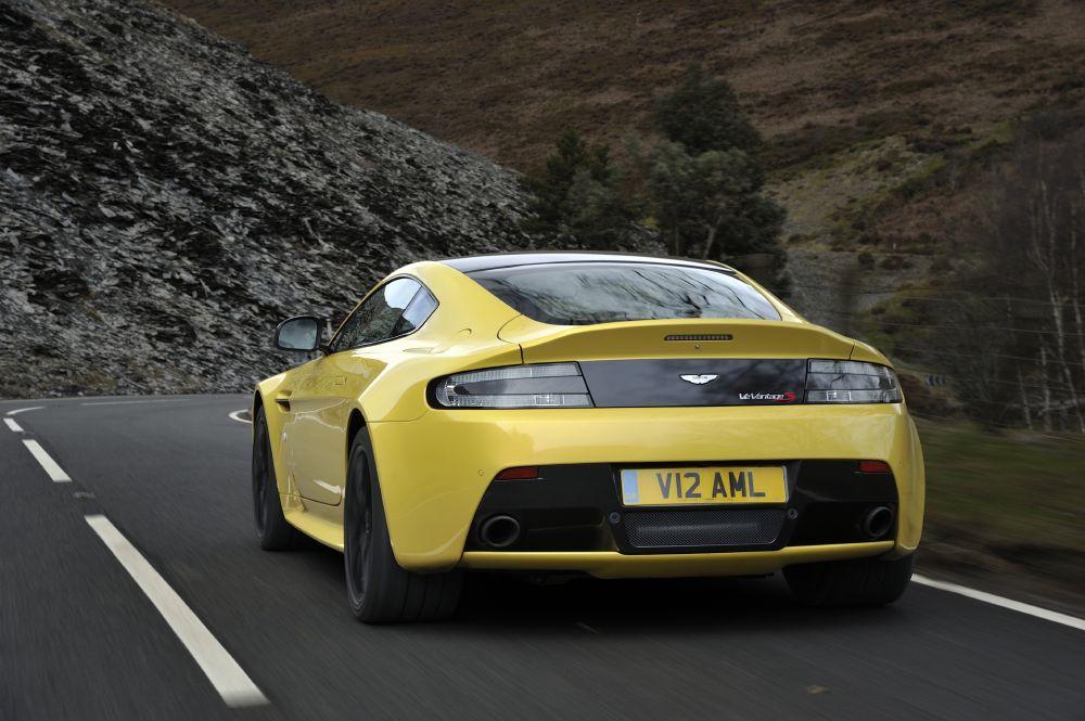 2011 - [Aston Martin] Vantage restylée - Page 2 2014+Aston+Martin+V12+Vantage+S+2