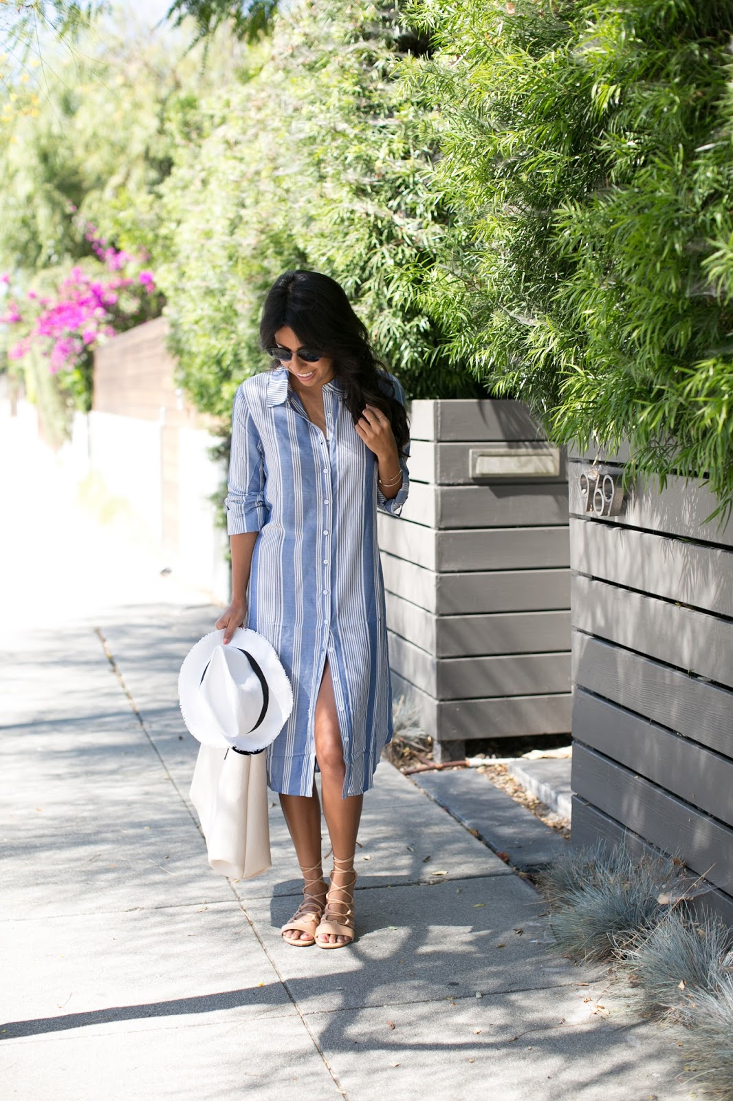 summer beach outfit, how to wear shirt dress, justfab shoes, pursuit of shoes