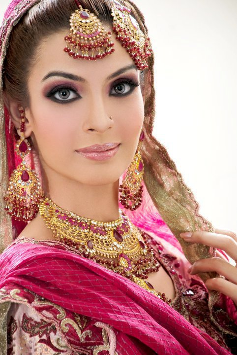 Pakistani Bridal Photos Dresses Make up Showcase