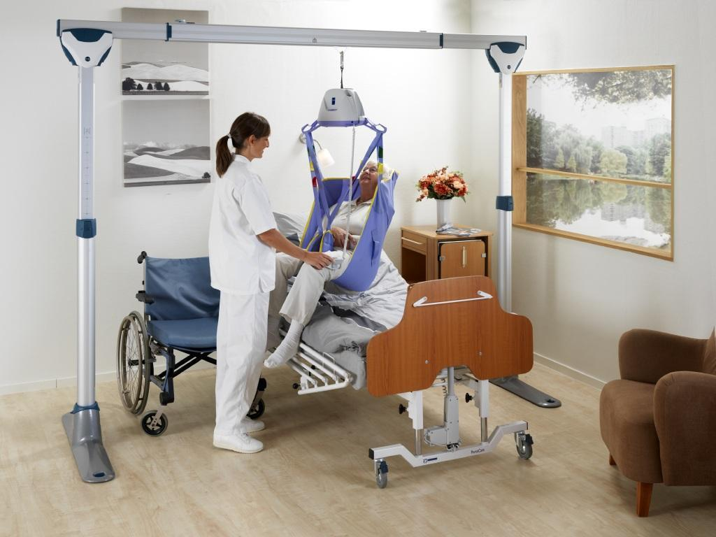 Manual Lift For Disabled : Mobility products for disabled people arjo maxi sky