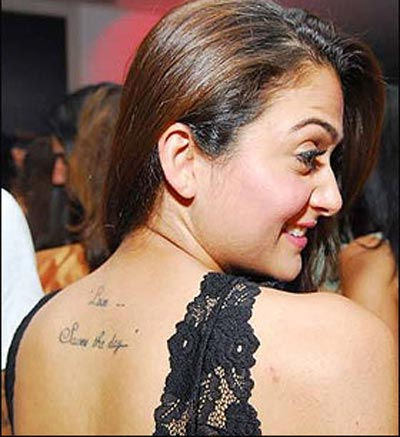 10 bollywood actress tattoos photos hindi tamil for Tamil tattoos and meanings