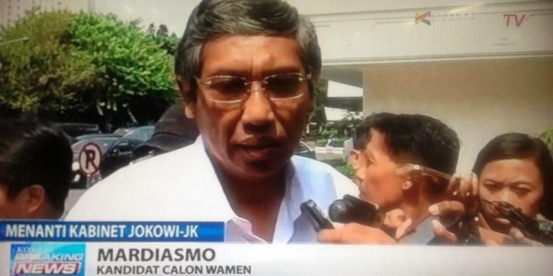 Kemeja Putih Sengaja Disediakan Jokowi untuk Calon Menteri