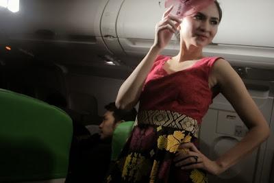 http://www.agen-tiket-pesawat.com/2013/01/tampil-cantik-saat-penerbangan.html