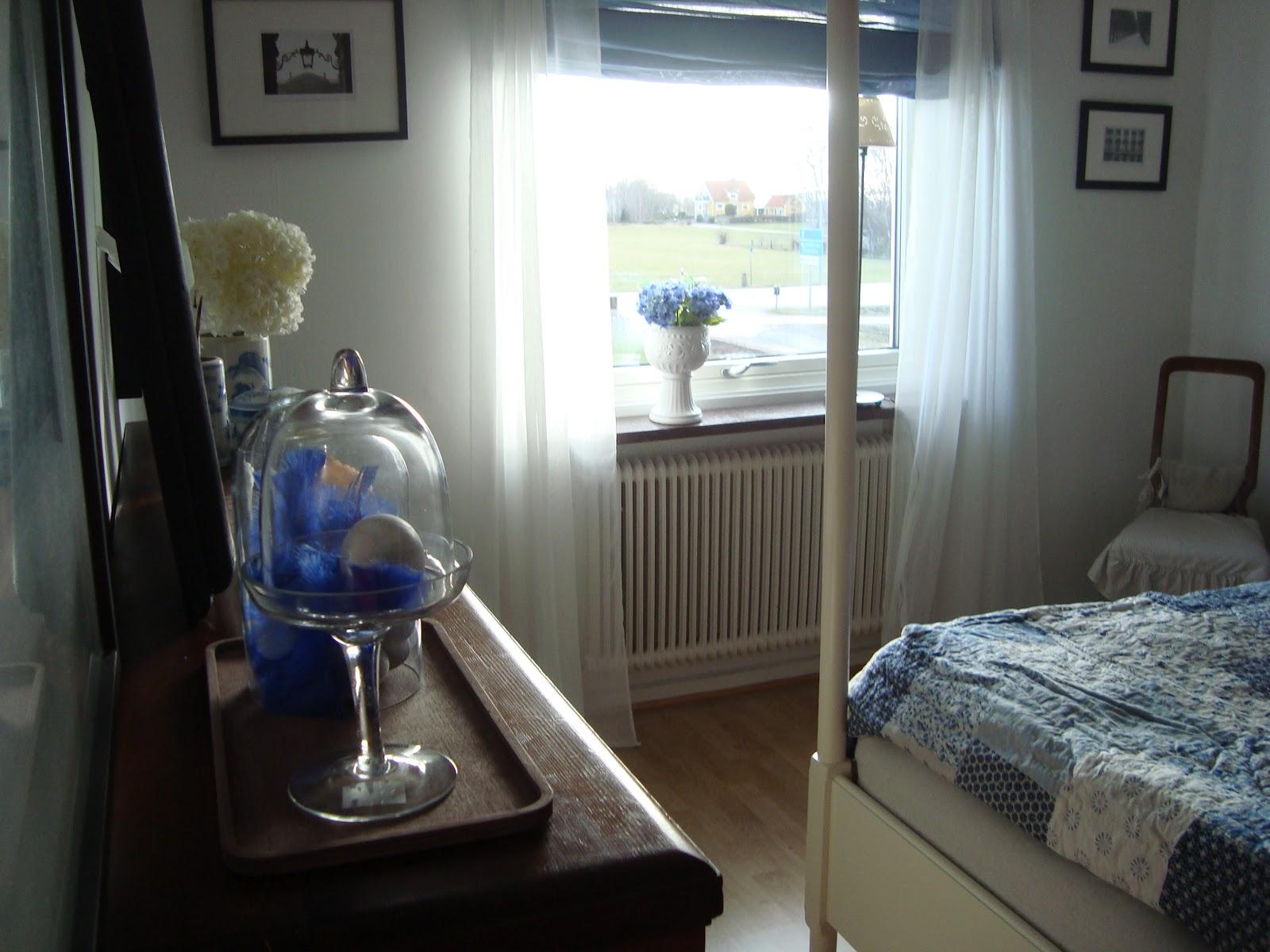 Drömmen om ett hus på landet: blått sovrum...