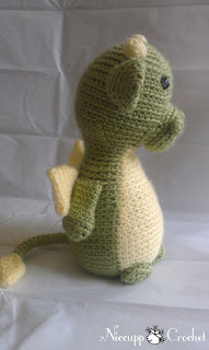 Can you make something for a dragon-themed baby shower?