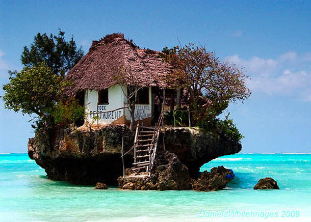 7 Amazing Houses Built Into Nature: Mamabishop: On A Rock