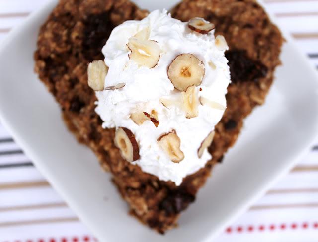 Oppskrift Havregrøtkake Enkel Rask Kakeoppskrift Havregryn Sjokolade Hasselnøtter Verdens Vegandag