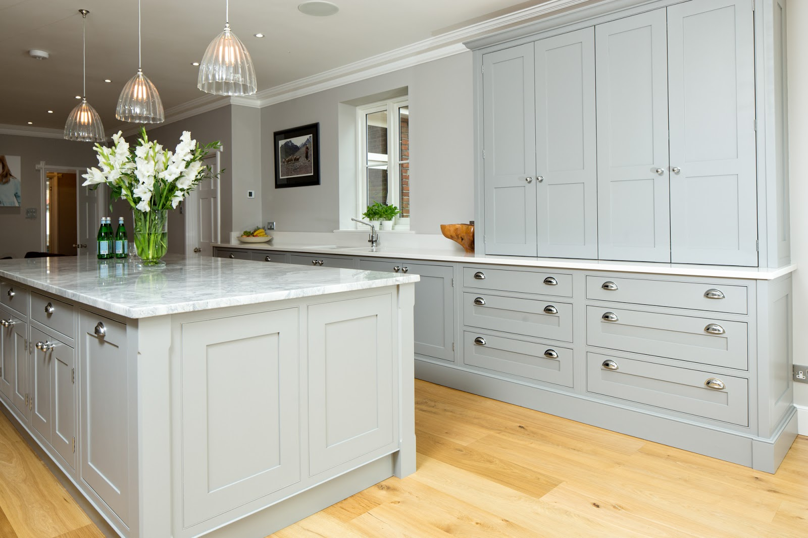 Maple gray traditional grey white shaker kitchen for Traditional kitchen dresser
