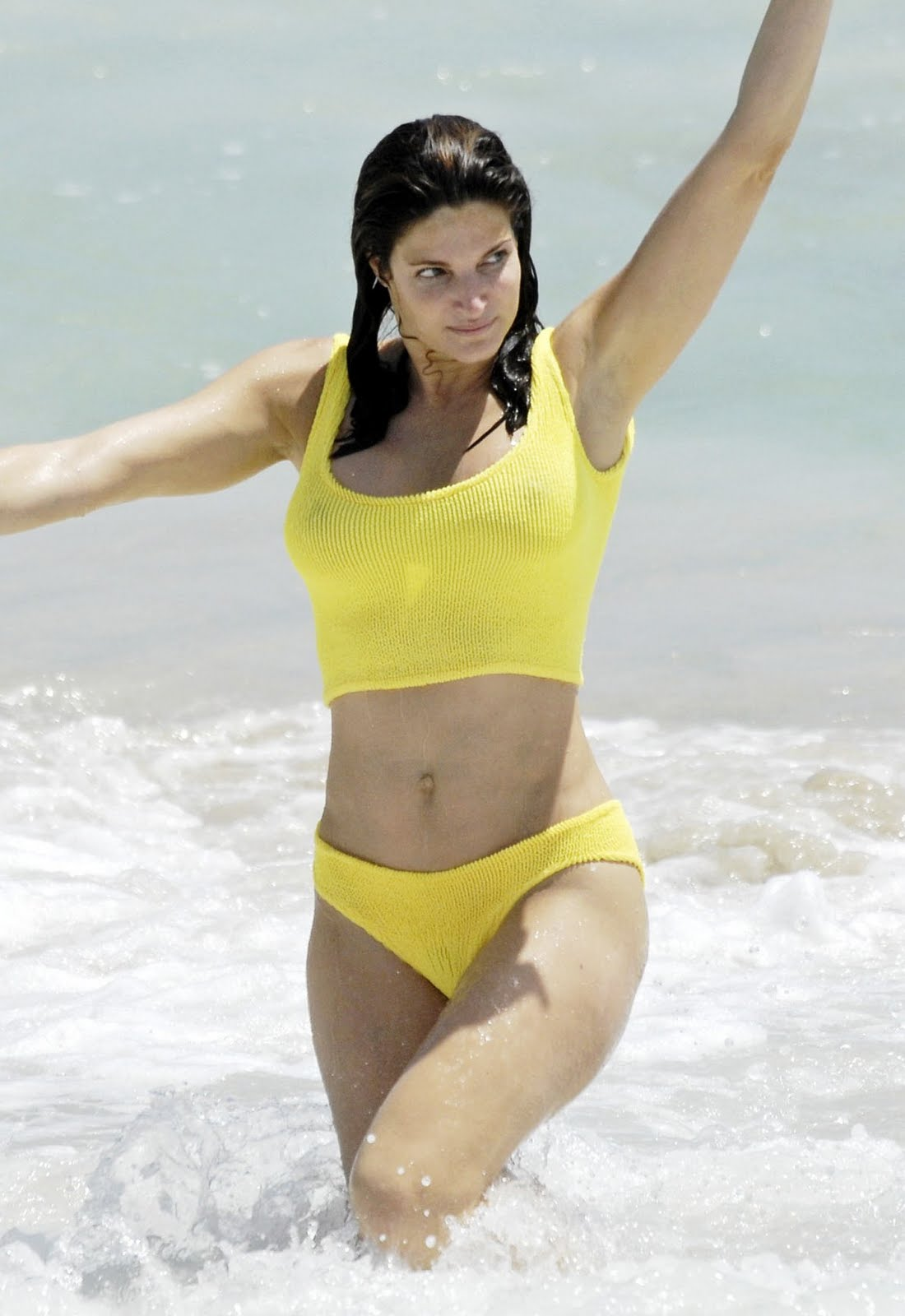 Fuck the In yellow bikini see her