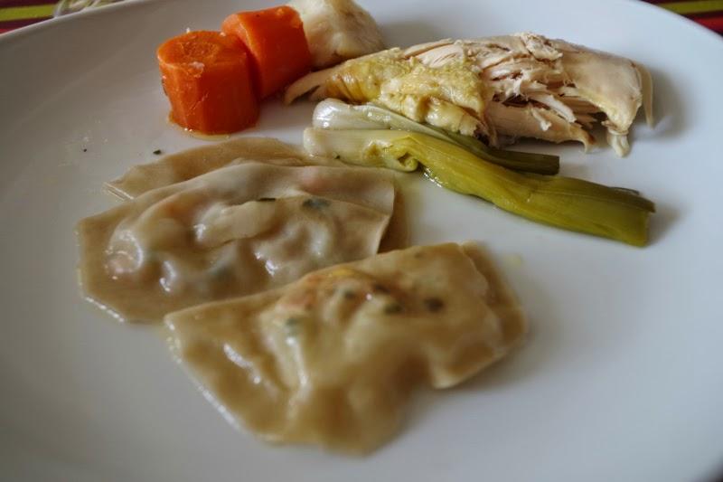 La cuisine claudine poule au pot et ses ravioles - Cuisine poule au pot ...