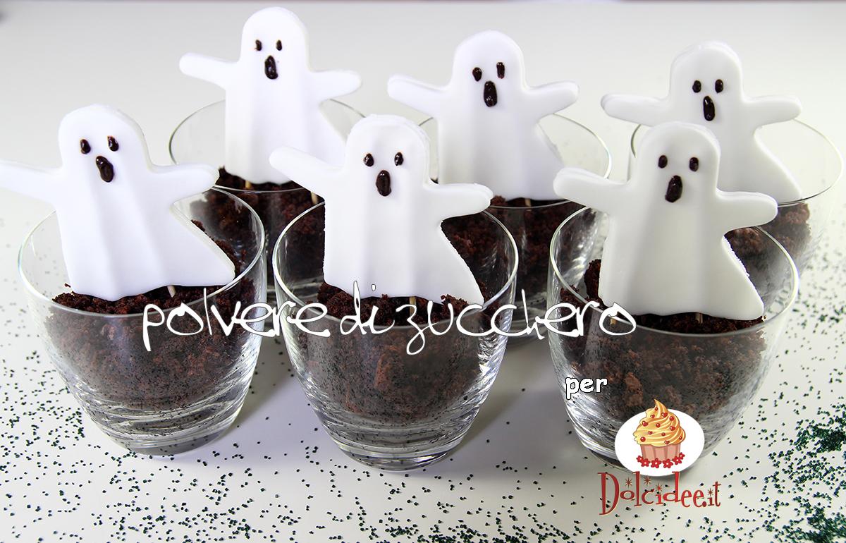 dolcetto o scherzetto? tutorial fantasmi dolci in pasta di zucchero e torta al cioccolato per halloween per dolcidee.it