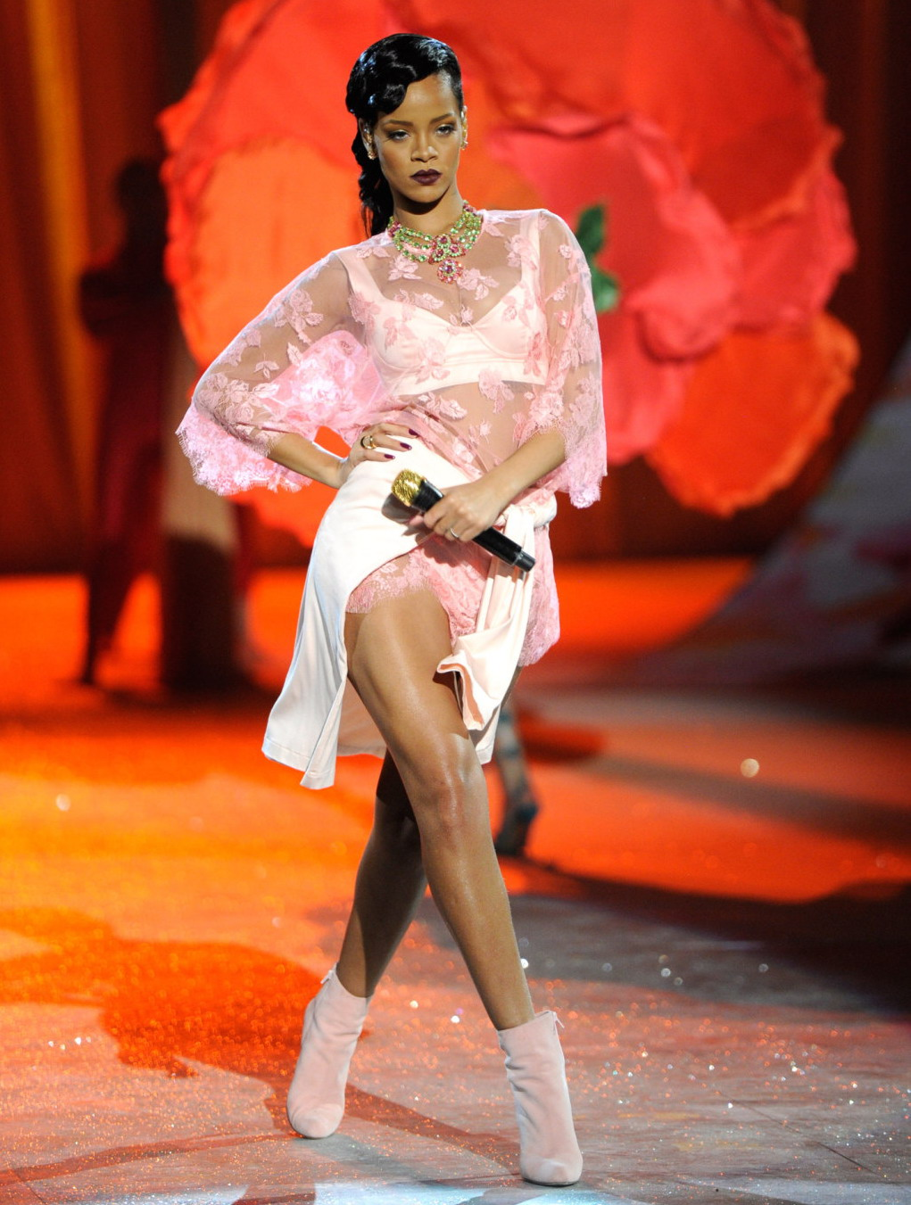 Fashion And The City Rihanna Victoria 39 S Secret Fashion