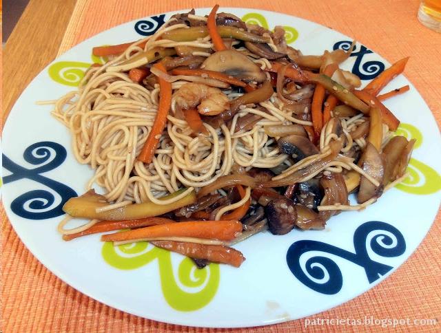 Tallarines fritos con gambas patricietas recetas for Que cenar rapido