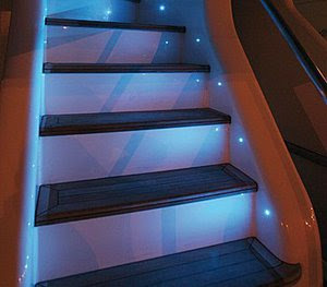 diseño de escalera iluminada