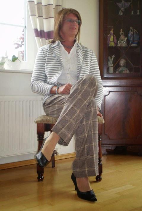 Crossdresser Jennifer - feminin & modisch: Crosdresser