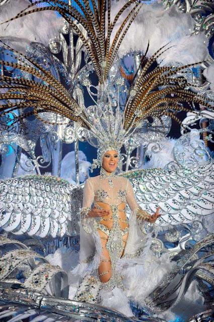 Reina del Carnaval 2013 - Soraya Rodríguez Castro - Fantasía: Volare