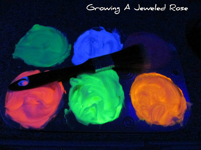 glowing bath paint fun