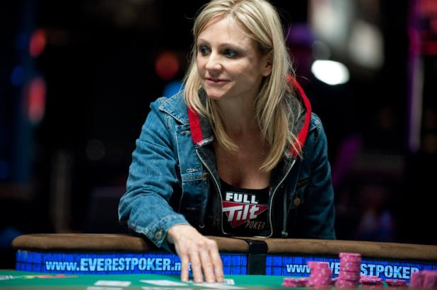 Dunia Bebas: 8 Wanita Pemain Poker Tercantik dan Terbaik di Dunia