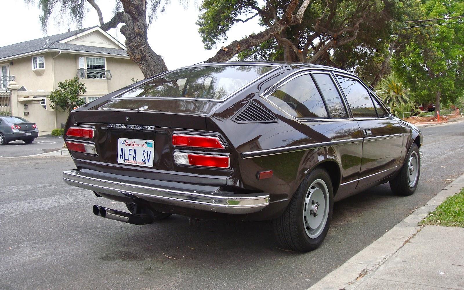 the street peep 1979 alfa romeo sprint veloce. Black Bedroom Furniture Sets. Home Design Ideas