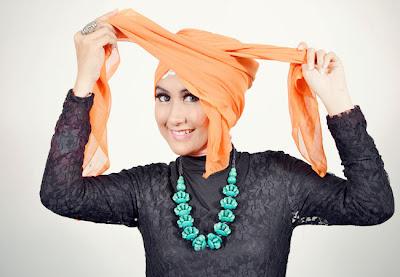 Cara+memakai+jilbab+segi+empat+turban+3 Cara Memakai Jilbab Segi Empat Turban
