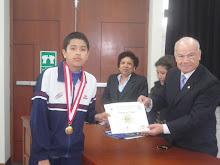 GRAN BICAMPEON NACIONAL DE LAS VII OLIMPIADAS PERUANAS DE BIOLOGIA O.P.B. 2012 : MARCO ANDRE PEÑA