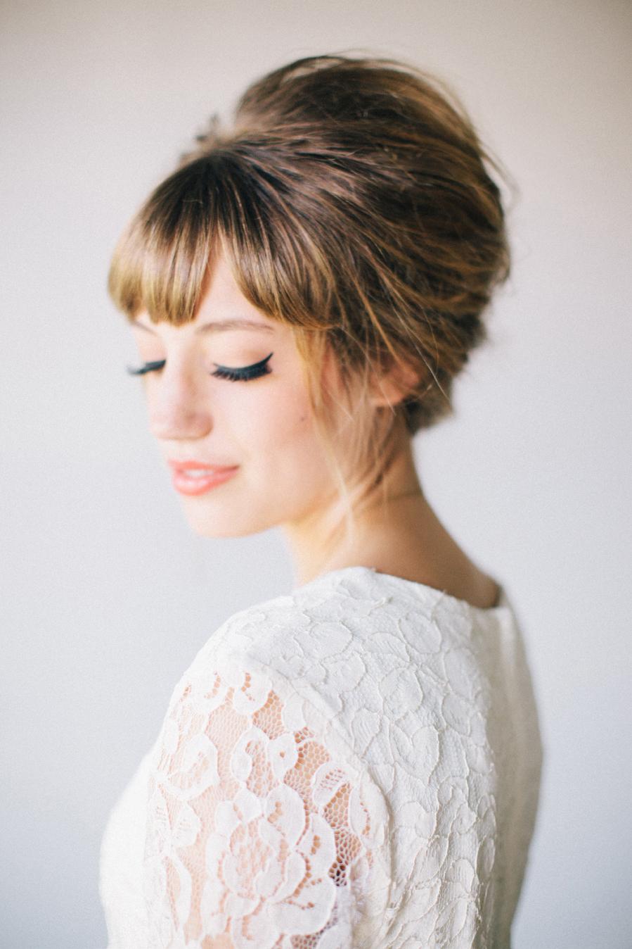 Как выбрать прическу на средние волосы с челкой 70