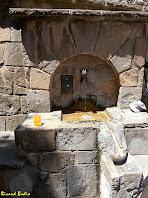"""La Font de la """"cabra"""" a prop de l'església de Sant Esteve de Bagà. Autor: Ricard Badia"""