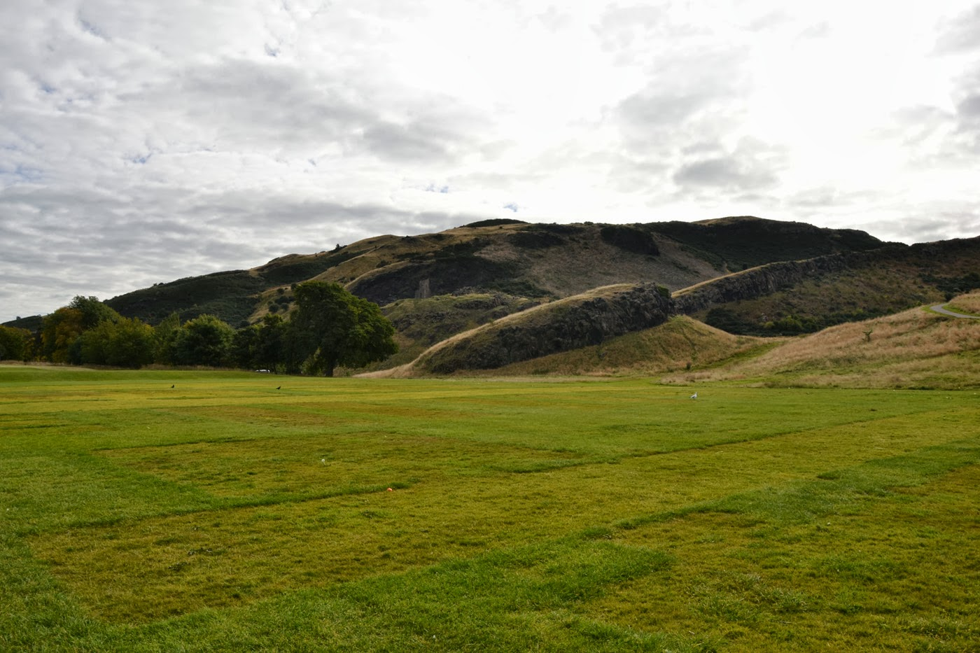 Holyrood park (Edinburgh / Scotland) by XOANYU.
