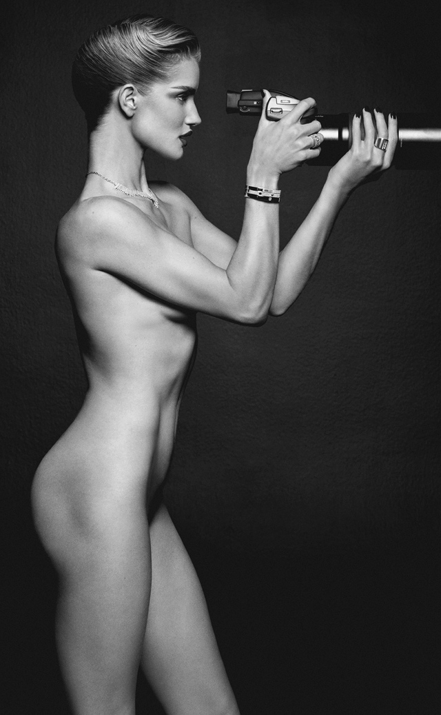Foto Rosie Huntington-Whiteley desnuda Lui Magazine