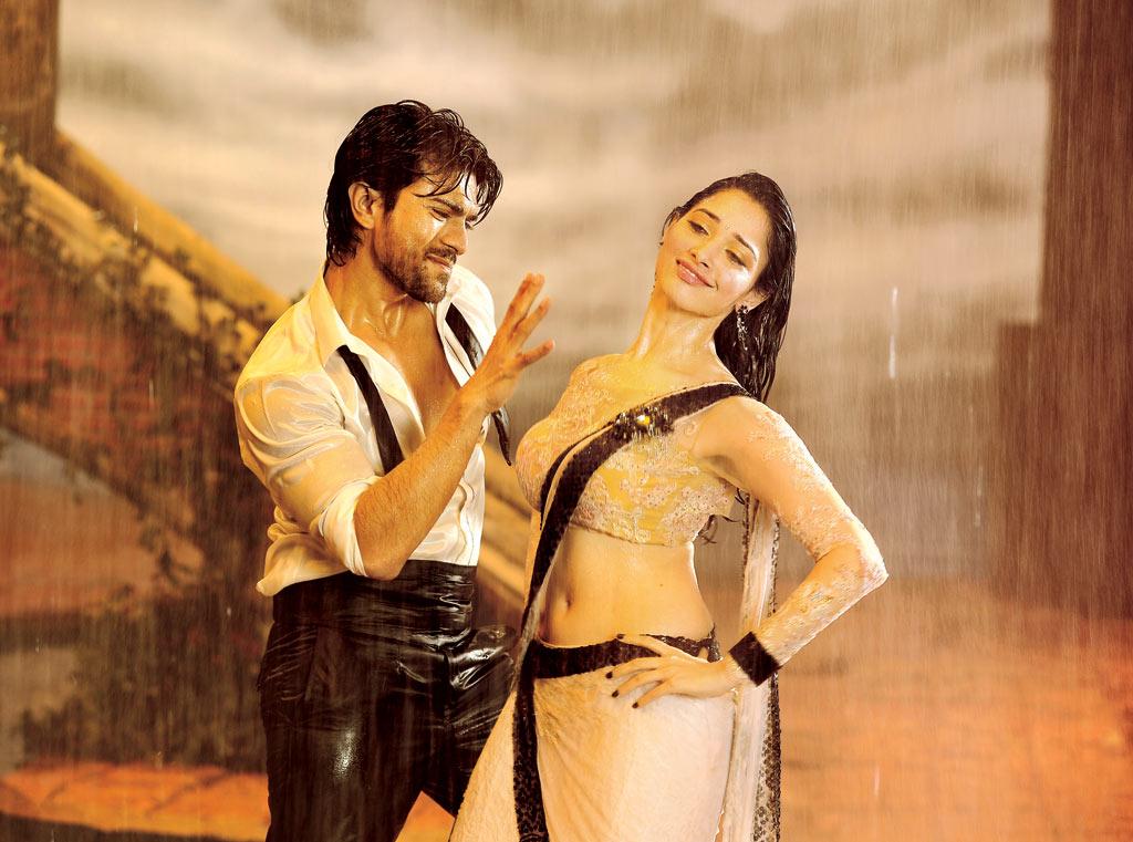 Tamanna Spicy Hq Stills From Racha Movie Mastimusiq