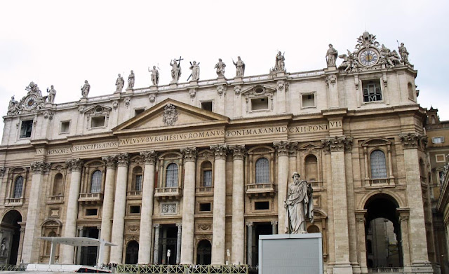 vatican building in Rome