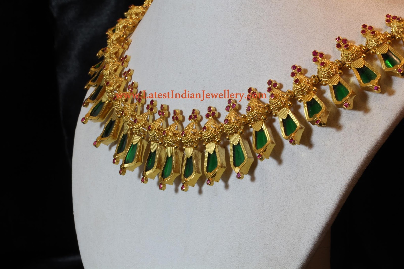 Kerala Traditional Gold Jewellery Nagapadam