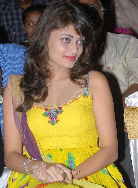 Actress Sneha Ullal Hot Photos unseen pics