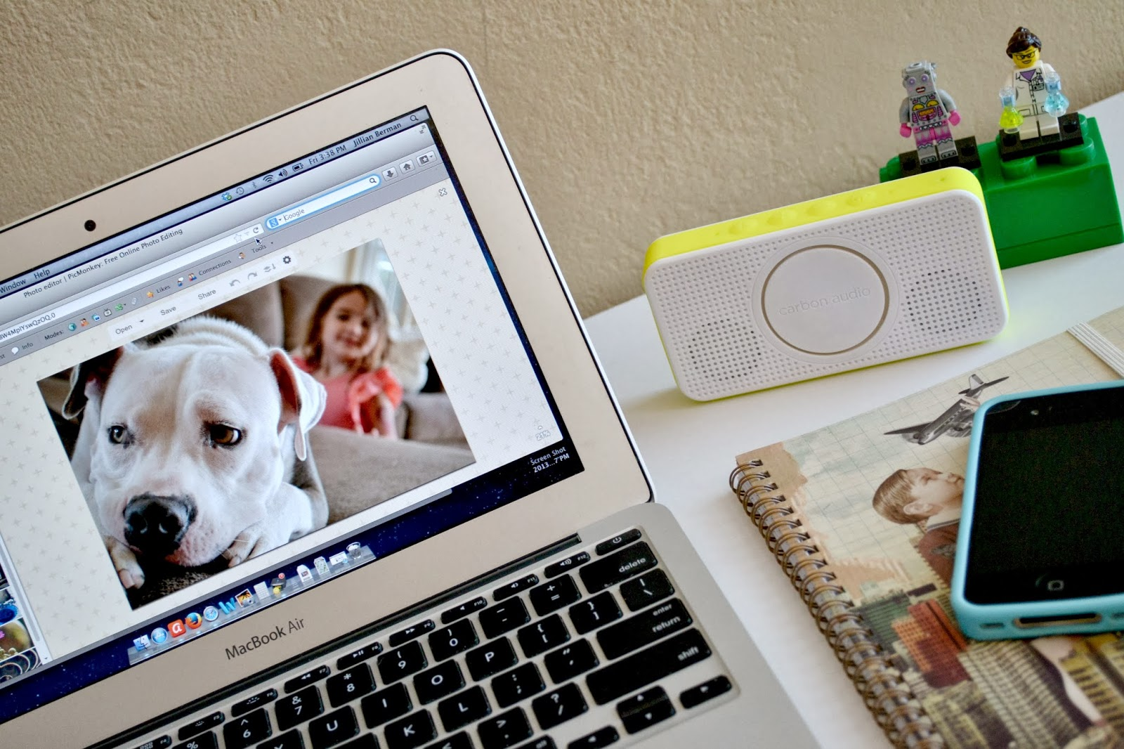 Mommy Testers, Carbon Pocket Speaker, Portable Bluetooth Speaker, Stylish Travel Essentials, #PocketBoom #shop #cbias