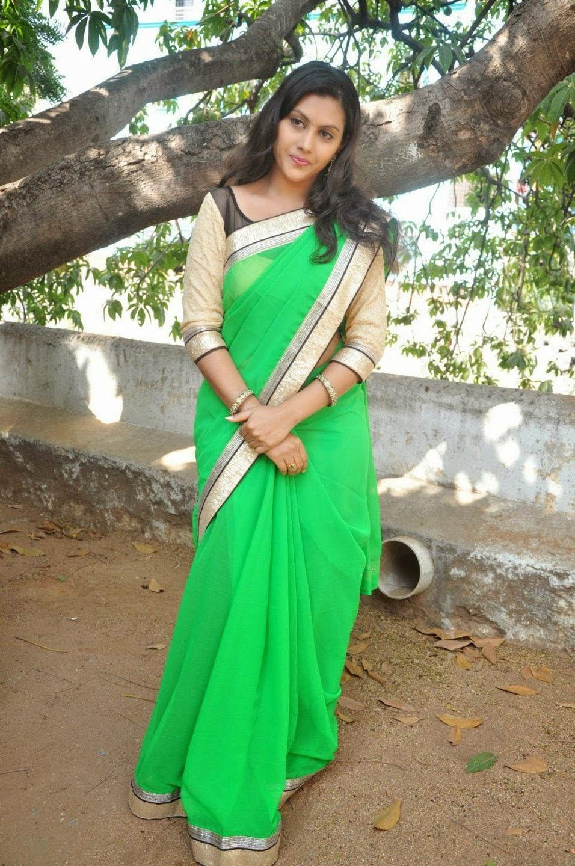 imagetwist.com имг imagesize:956x1440 @@@!! ^  South Actress Priyanka Latest Stills In saree