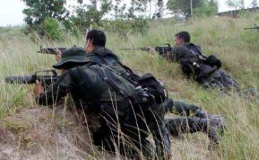 Penduduk Pukul Mati Seorang Lanun Bersenjata M16