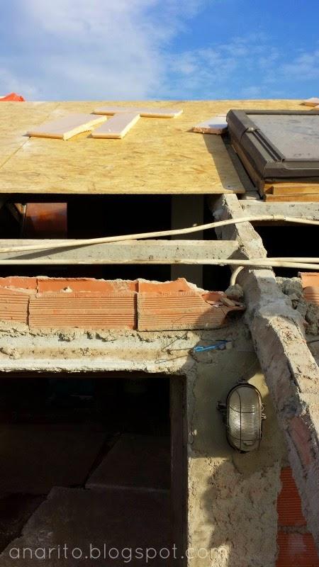 Telhado com lâminas de madeira orientadas (OSB)