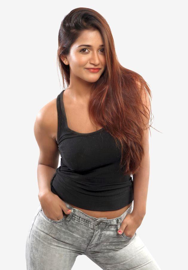 Anaika Soti hot photo stills in 365 Days movie