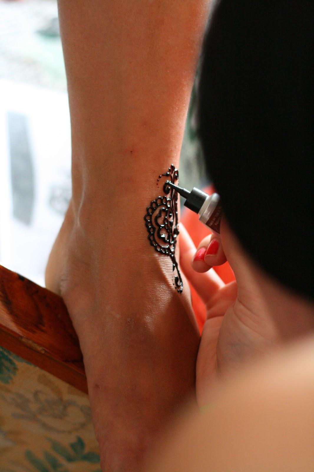 ТАТУИРОВКИ ДЛЯ ДЕВУШЕК Эскизы татуировок Tattoo  - эскизы тату на ноге женские