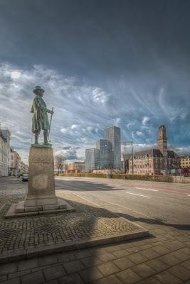 statue suell malmo malmö malmoe sverige sweden skåne clarion hotel live